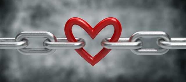 AdobeStock_heartchain